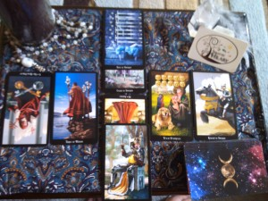 Yule witches tarot
