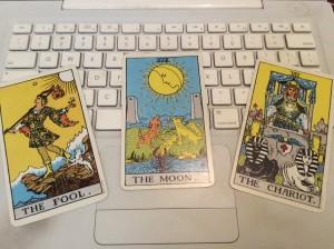 fool/moon/chariot